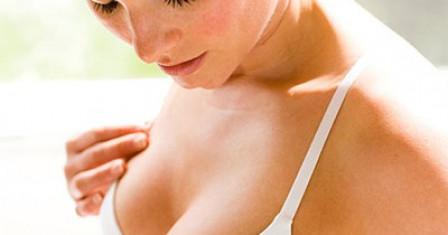 Как увеличить грудь дома: простые упражнения?
