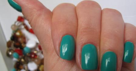 В какой цвет покрасить ногти?