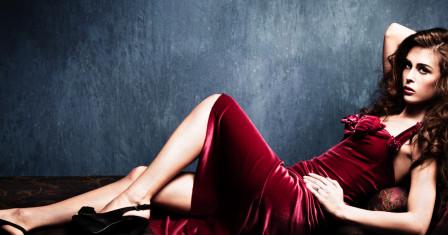 Красное платье: как выбрать и с чем носить