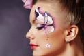 Секреты высококачественного свадебного макияжа в жаркую пору