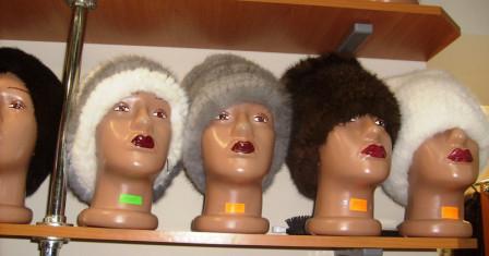 Женские головные уборы: оригинальность стиля