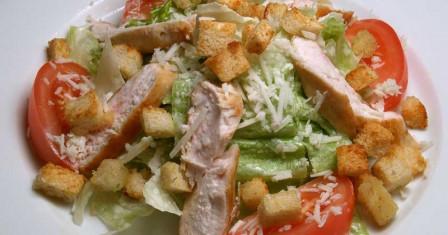 Готовим простой салат из курицы