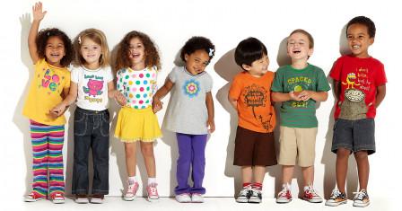 Особенности конструкции и материала детской одежды