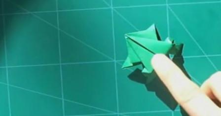 Как сделать лягушку прыгающую из бумаги
