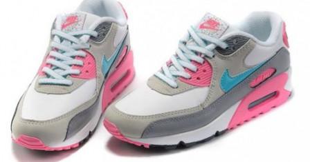 Правильный выбор женских кроссовок