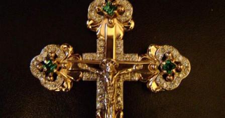 Особенности выбора золотых украшений в виде крестика