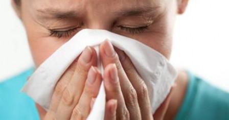 Что делать если у ребенка болит ухо при простуде?