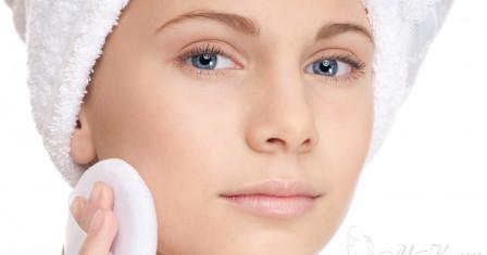 Чем удобнее наносить макияж?