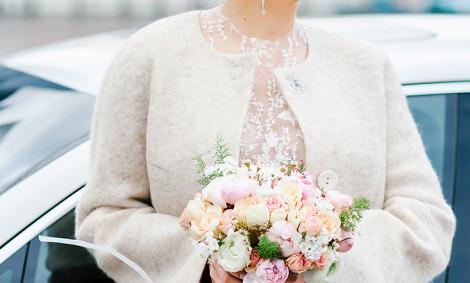 Свадебное пальто – особенности выбора