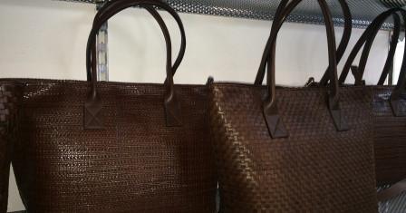Как купить оптом оригинальные итальянские сумочки