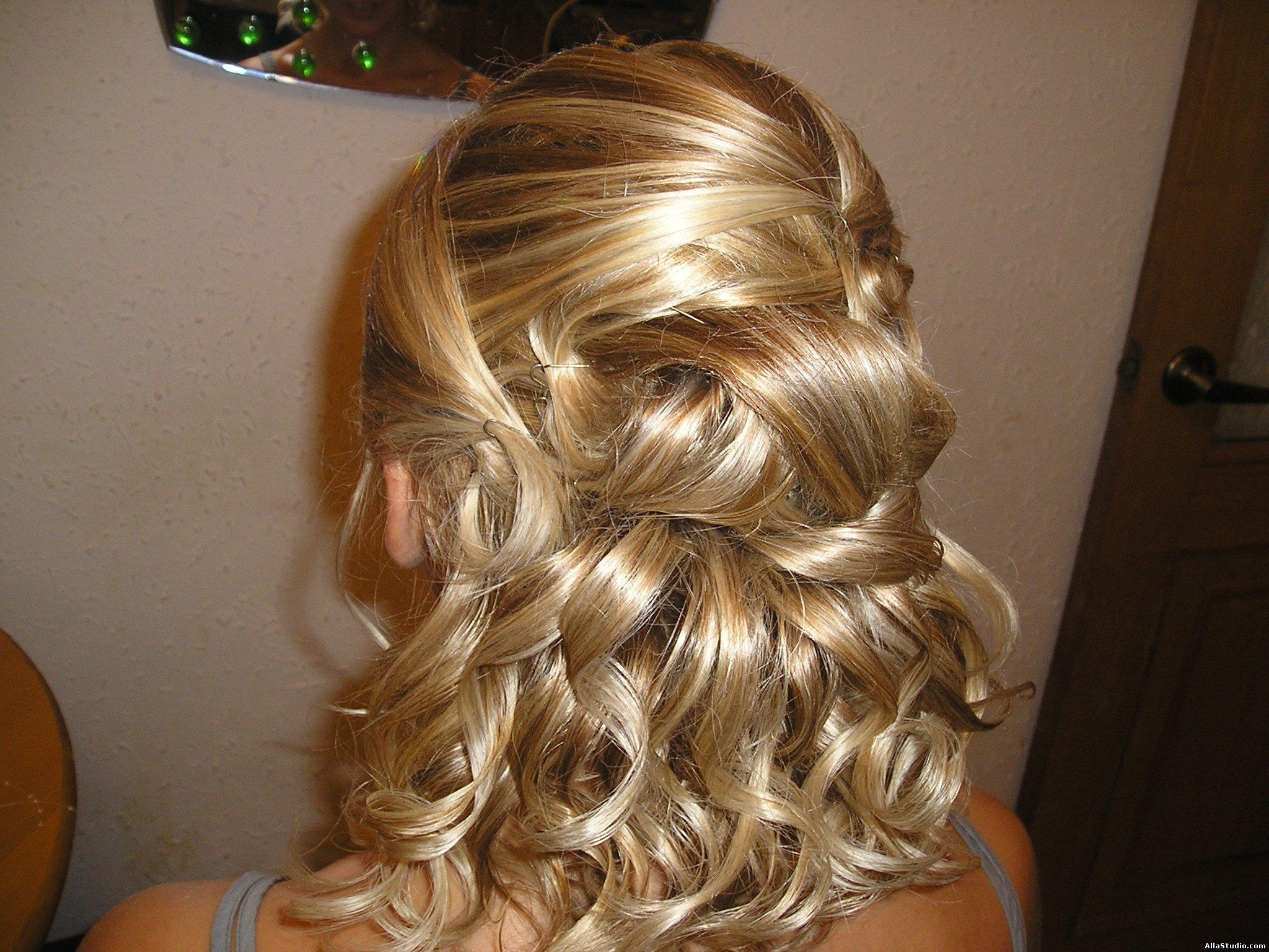 Прически на среднюю длину волос с челкой