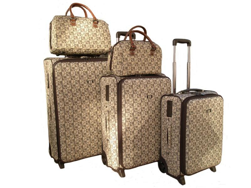 fec4c77de4f4 отправляемся в отпуск выбираем чемоданы