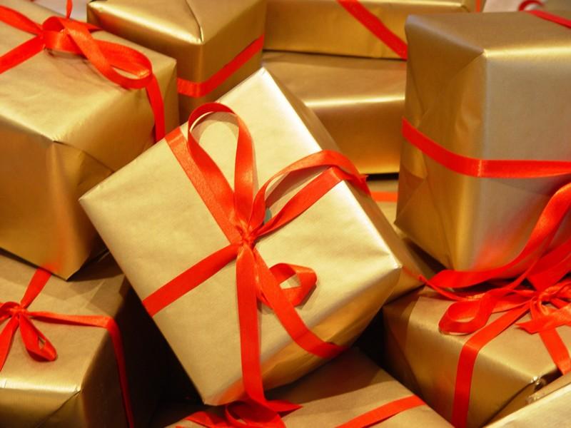 Примета подарить подарок до дня рождения