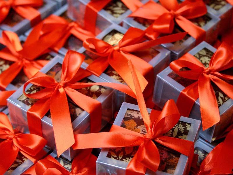 Что подарить любимой на День Влюбленных?
