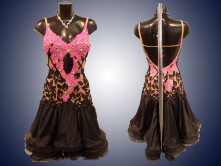 Выбираем бальное платье